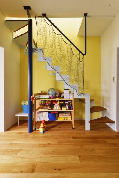 階段 (K様邸_壁を生かし…Colorfull!)