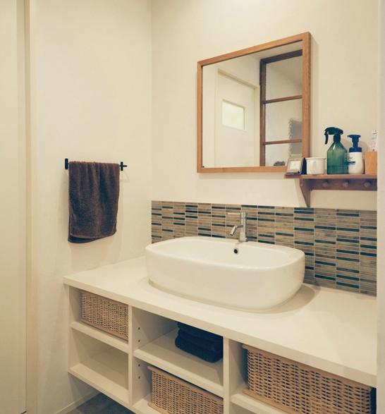 リノベーション / Beeの部屋 ボーダータイルの洗面室