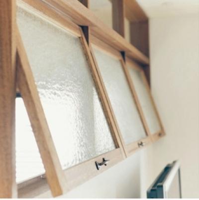 ガラスの室内窓 (リノベーション / Bee)