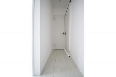 廊下 (築30年超えの建物を新築並みの性能に)