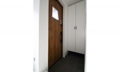 築30年超えの建物を新築並みの性能に (玄関)