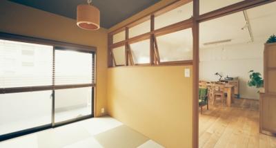 室内窓が結ぶ和室とLDK (リノベーション / Bee)