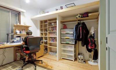 大阪府Mさん邸:オーダーキッチンや広い玄関など「予算内でこんなに!」 (子ども部屋)