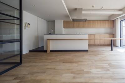 新築派がつくるリノベーション|新築主義の奥様のためにつくる上質な住まい (LDK)