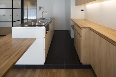アイランドキッチン (新築派がつくるリノベーション|新築主義の奥様のためにつくる上質な住まい)