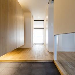 新築派がつくるリノベーション|新築主義の奥様のためにつくる上質な住まい (玄関・廊下)