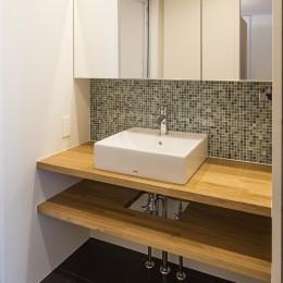 新築派がつくるリノベーション|新築主義の奥様のためにつくる上質な住まい (洗面室)
