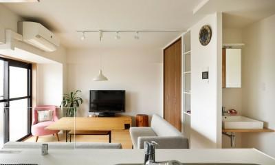 暮らし方を見つめ直して細部までこだわった、快適に仲良く暮らせる自分たちらしい家。 (リビングに洗面スペースがある家)
