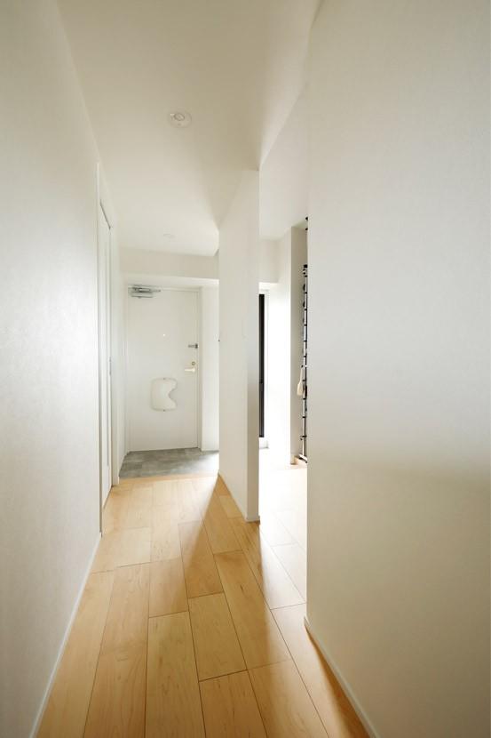 暮らし方を見つめ直して細部までこだわった、快適に仲良く暮らせる自分たちらしい家。 (結露で悩んでいた窓)