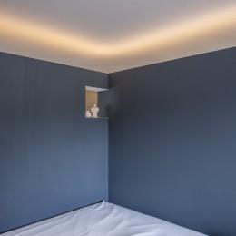 自由設計と売却戦略の両立|こだわり尽くした自由設計と7年後に売却する汎用性を満たすリノベーション (寝室スペース)