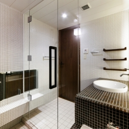 Nzuri  昭和初期の面影を残す京町家を全面的にリノベーション (洗面室1)