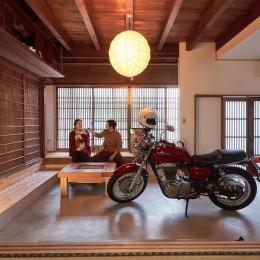 「和×バイク×猫」の古民家リノベーション