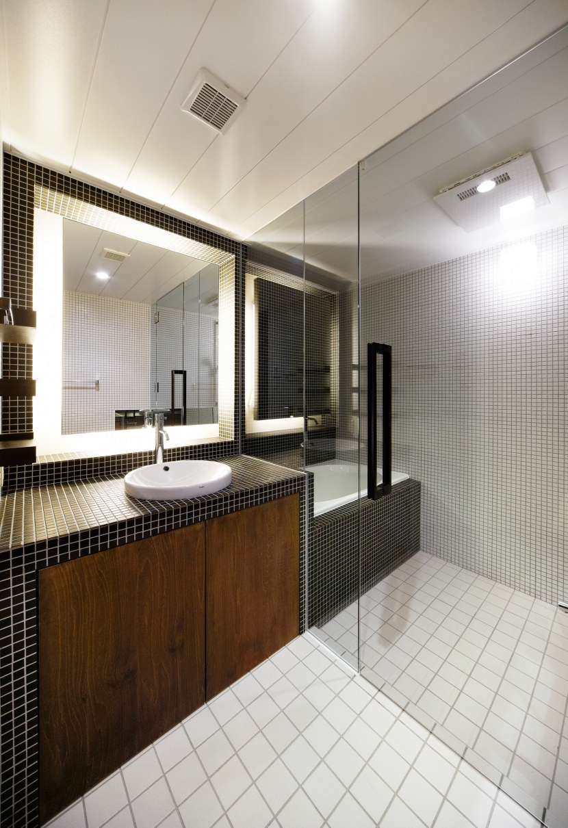 Nzuri  昭和初期の面影を残す京町家を全面的にリノベーションの写真 洗面室2