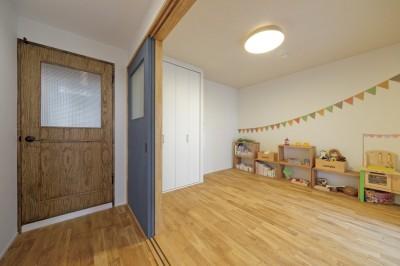 子ども部屋 (大阪府Oさん邸:自然素材と二重窓で結露を解消。たっぷり収納ですっきり片付くシンプルおしゃれな家に)