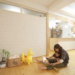 大阪府Sさん邸:壁を塗ったり、パーツを探したり、一緒につくって思い入れたっぷりのリノベーション (LDK)