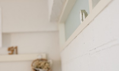 大阪府Sさん邸:壁を塗ったり、パーツを探したり、一緒につくって思い入れたっぷりのリノベーション (明かり窓)