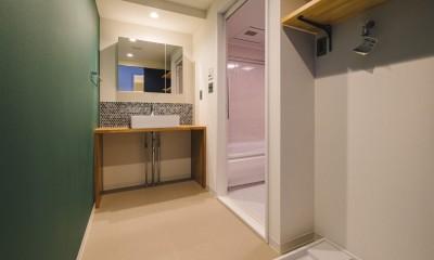 シンプルかつワイルド (洗面室・バスルーム)