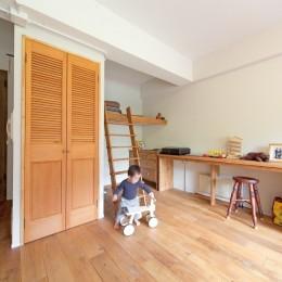 京都府Kさん邸:建具まで自然素材の空間で、子どももネコものびのびと。 (将来は間仕切り子ども部屋にも)