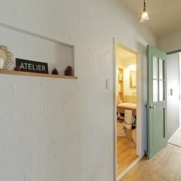 大阪府Kさん邸:防音室を備え、子どもの成長に伴って変化できる間取りに (廊下)