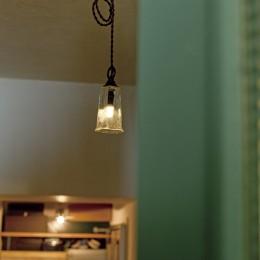 大阪府Kさん邸:防音室を備え、子どもの成長に伴って変化できる間取りに (照明)