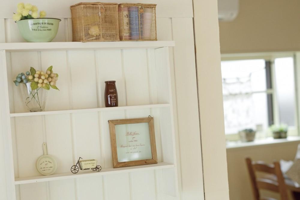 滋賀県Nさん邸:雑貨が似合う家に「わくわく」気分 (オープン棚)