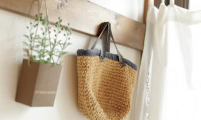滋賀県Nさん邸:雑貨が似合う家に「わくわく」気分 (ひっかけたり)