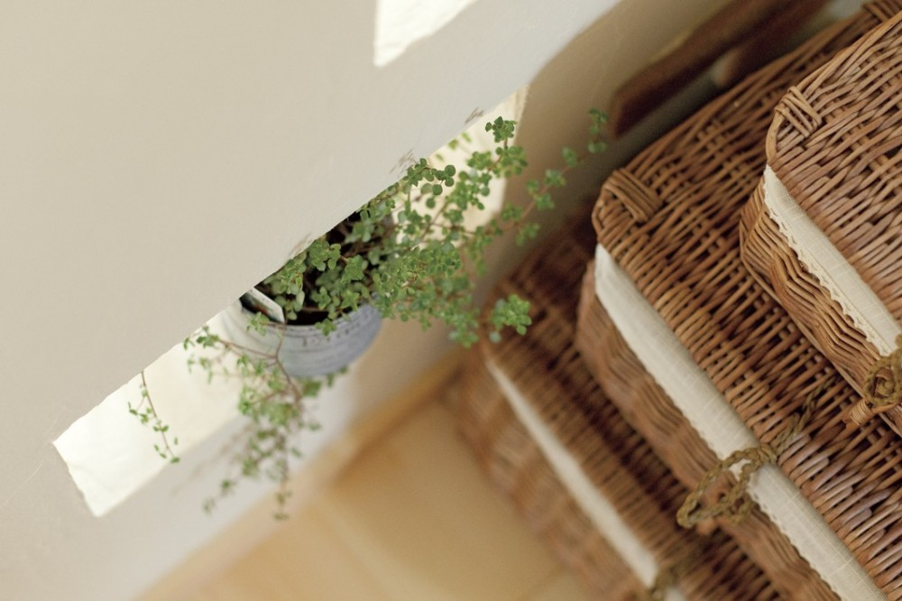 滋賀県Nさん邸:雑貨が似合う家に「わくわく」気分 (置いたり)