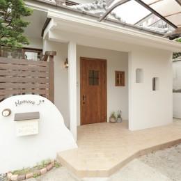 滋賀県Nさん邸:雑貨が似合う家に「わくわく」気分 (コストを抑えながら外観も一新)