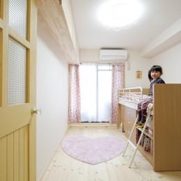 大阪府Kさん邸:カフェのようなおしゃれな、私テイストの部屋に (子ども部屋)
