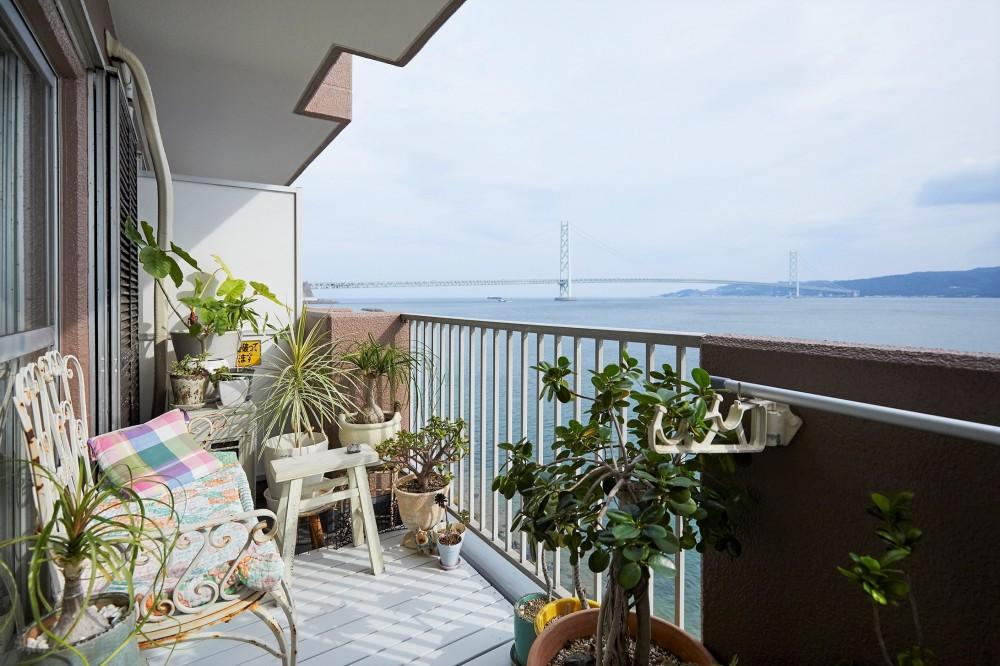 海を眺める、フレンチモロッカンハウス (バルコニー)