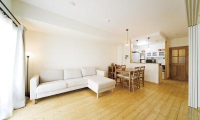 大阪府Tさん邸:DIYで古い家具が似合うナチュラル空間に