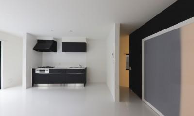 実家リノベーション2戸賃貸へ (101室のキッチン)