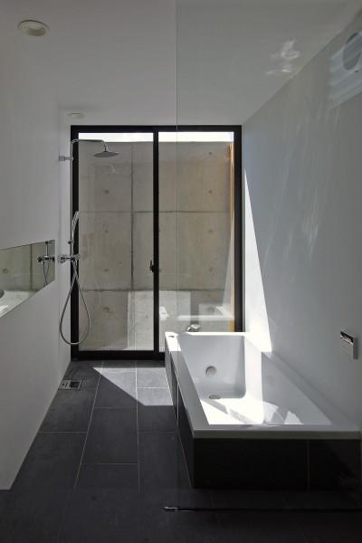 浴室 (吉前の家-yoshizaki)