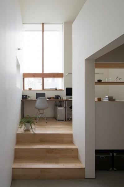 ホームオフィス (長湫の家/アイランドキッチンとアトリエのある家)