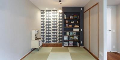 マンションリノベーション~お気に入りのクロスとDIY塗装 (畳スペース)