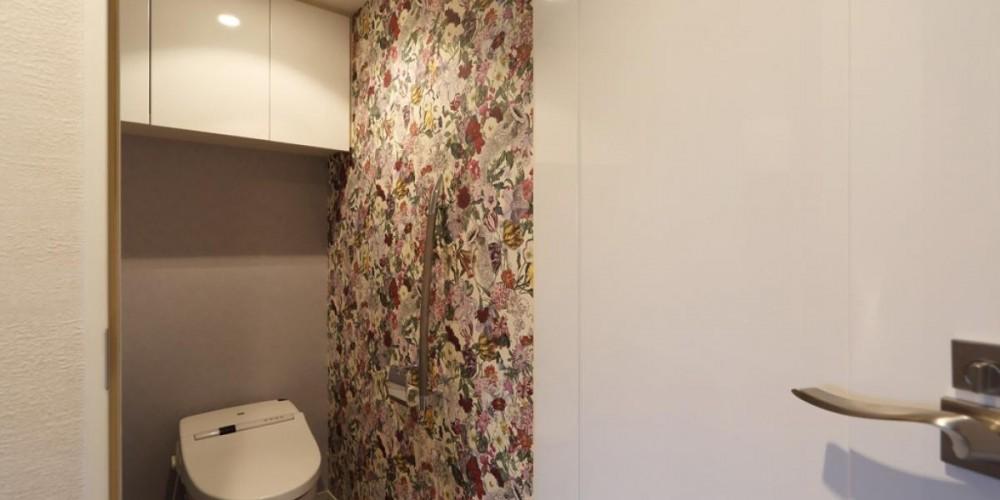 マンションリノベーション~お気に入りのクロスとDIY塗装 (トイレ)