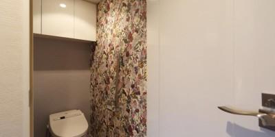 トイレ (マンションリノベーション~お気に入りのクロスとDIY塗装)