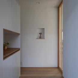 調布の家 (玄関)