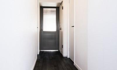 繋がりのある空間 (玄関)