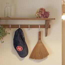 大阪府Iさん邸:実家の一部を増改築し、デザインにこだわった子世帯の住まいへ (オープン棚)