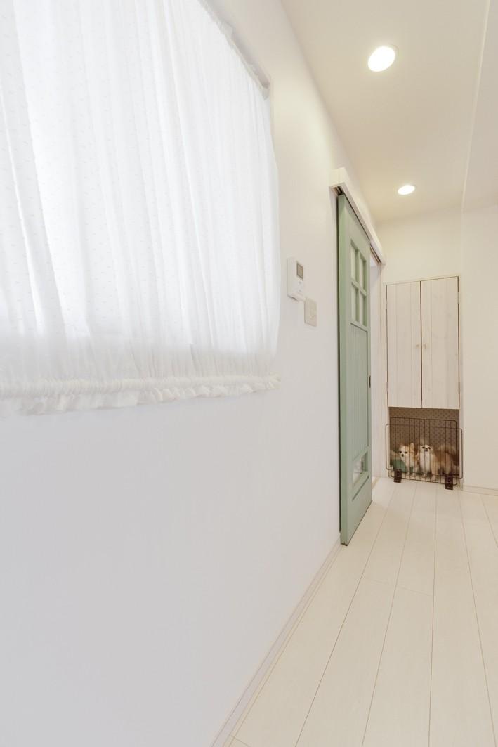 大阪府Sさん邸:愛犬の居場所を確保したひろびろ空間 (愛犬のおうち)