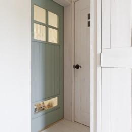 建具 (大阪府Sさん邸:愛犬の居場所を確保したひろびろ空間)