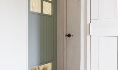 大阪府Sさん邸:愛犬の居場所を確保したひろびろ空間 (建具)