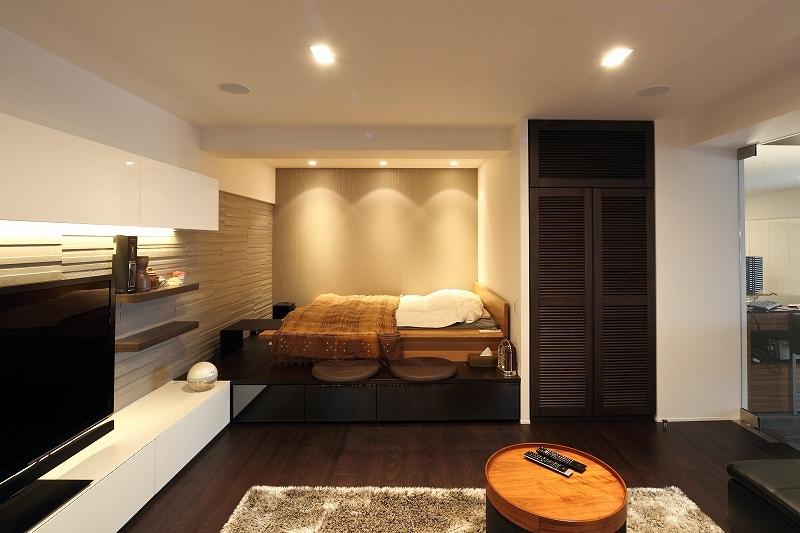 今がベストな家(リノベーション)の部屋 リビングの中のベッドスペース
