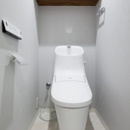 暖かい日ざしと木の温もり (トイレ)