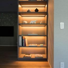プレミアムマンションのリノベーション計画〜都会の森の家 (飾り棚)