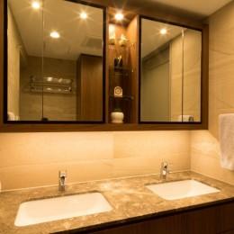 高級マンションのリノベーション〜高台のフレンチシックな家 (洗面所)