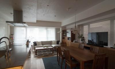 高級マンションのリノベーション〜高台のフレンチシックな家 (リビングダイニング)