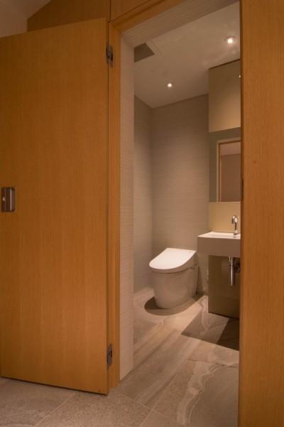トイレ (プレミアムヴィンテージマンションのリノベーション)