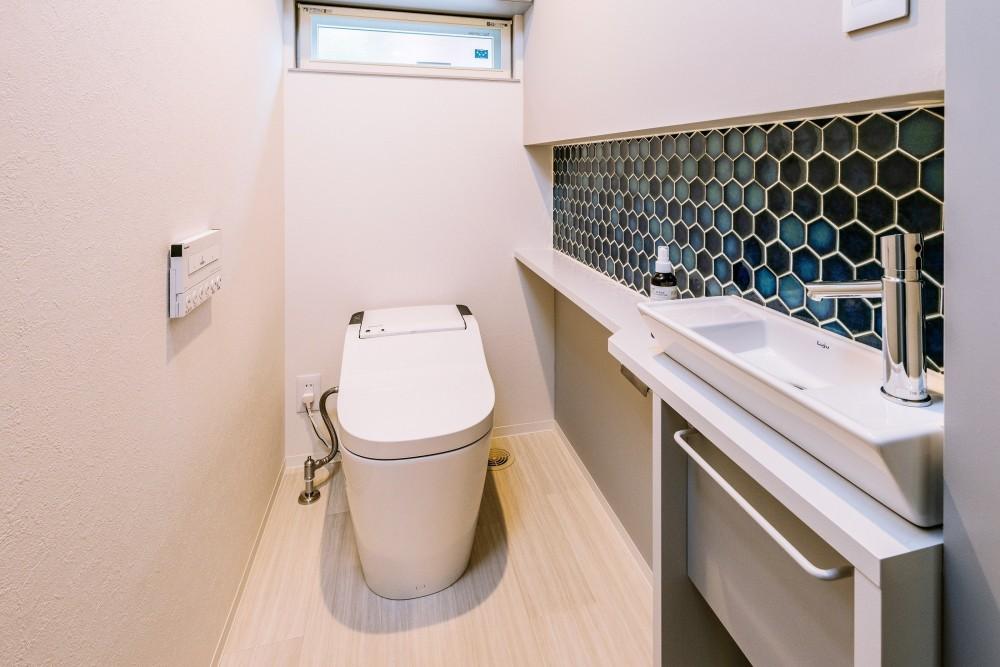シンプルを追求した平屋 (トイレ)